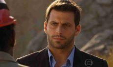 Cassiano desconfia que Silvestre é infiltrado de Alberto nesta quarta (3) em 'Flor do Caribe'