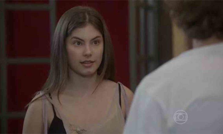 Bianca é criticada por pagar para Pedro namorar Karina nesta quinta (1) em 'Malhação: Sonhos'