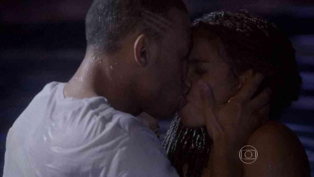 """Wallace e Sol finalmente se beijam nesta sexta (19) em """"Malhação: Sonhos"""""""