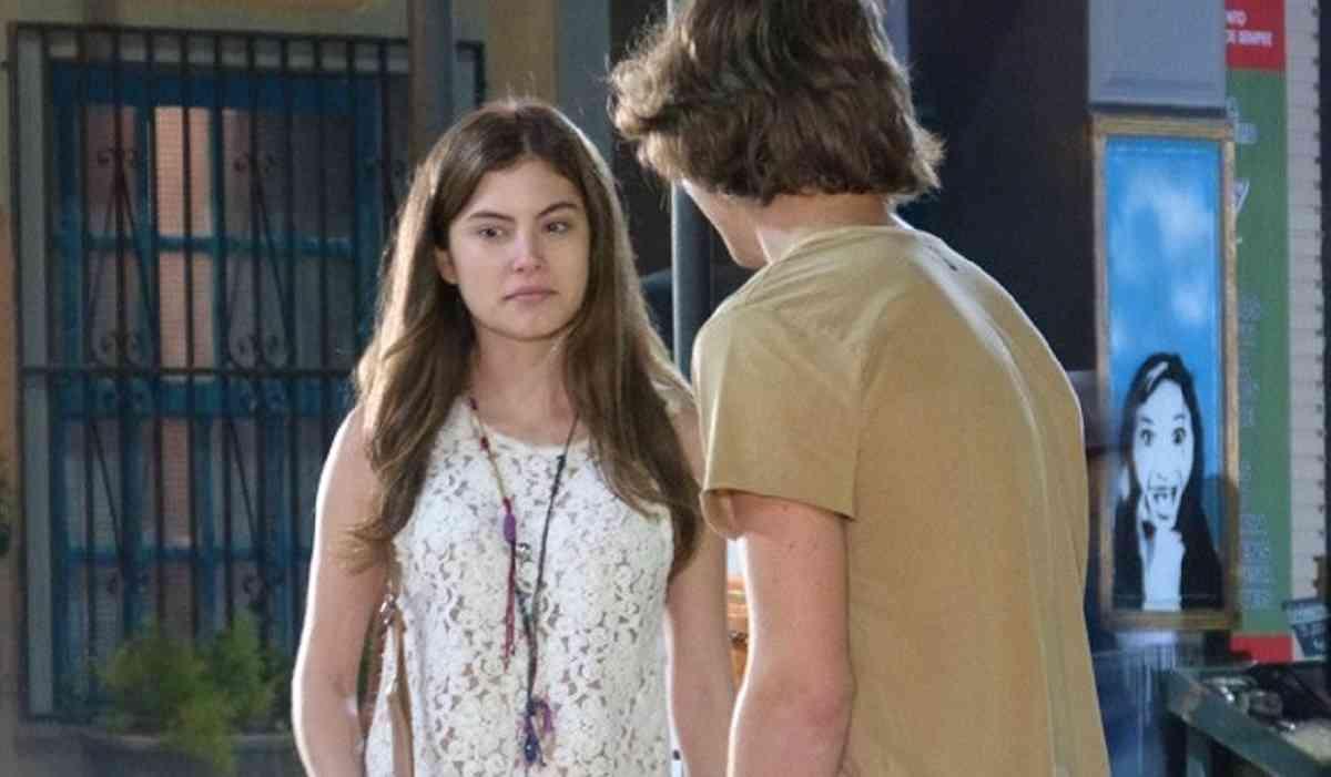 """Bianca afirma a Pedro que Karina gosta dele nesta segunda (15) em """"Malhação: Sonhos"""""""