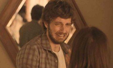 Danilo descobre que Thelma perdeu o filho no incêndio nesta segunda (22) em 'Amor de Mãe'