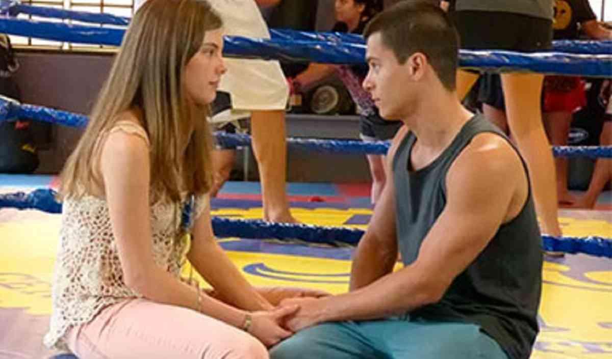 Bianca aceita o empréstimo de Duca nesta quarta (24) em 'Malhação: Sonhos'