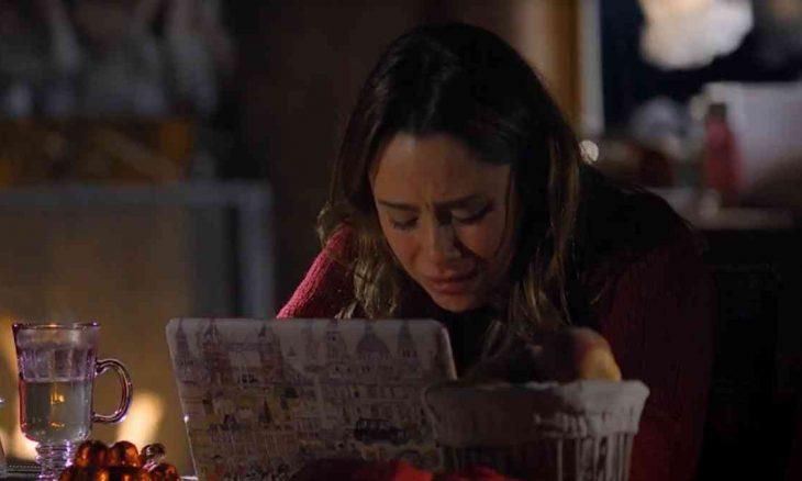 """Manuela conta para irmã que viu Rodrigo com outra nesta sexta (5) em """"A Vida da Gente"""""""