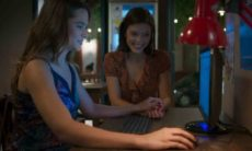 Luna se emociona ao ver fotos de Helena nesta quarta (31) em 'Salve-se Quem Puder'