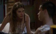 """Bianca insiste em conseguir um namorado para Karina nesta segunda (8) em """"Malhação: Sonhos"""""""