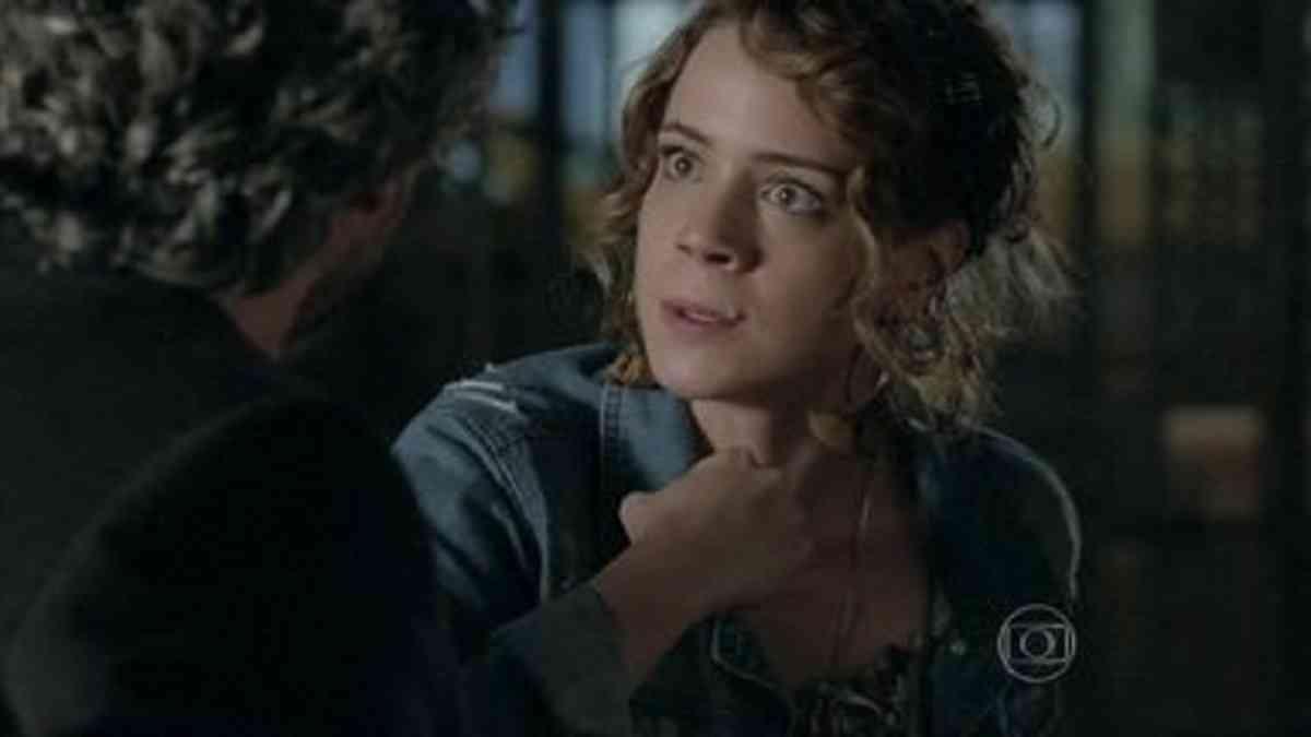 Cristina conta para José Alfredo que é filha de Eliane nesta quinta (22) em 'Império'