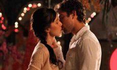 Rodrigo beija Manu e a pede em casamento nesta terça (20) em 'A Vida da Gente'