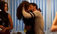Cobra beija Jade na frente de todos nesta sexta (23) em 'Malhação: Sonhos'