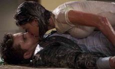 Alan e Kyra se beijam sem querer nesta segunda (12) em 'Salve-se Quem Puder'