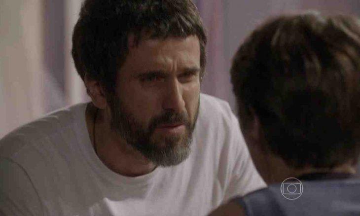 Gael proíbe Karina de lutar e de ver Pedro nesta sexta (30) em 'Malhação: Sonhos'