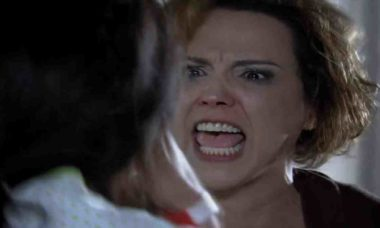 Manuela visita Ana e é destratada por Eva neste sábado (9) em 'A Vida da Gente'