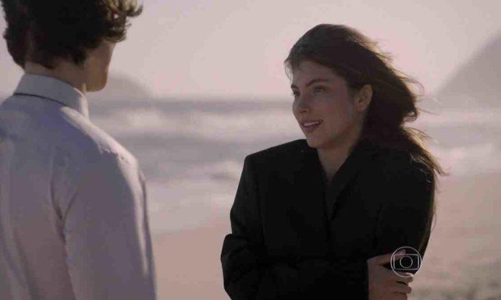 Henrique socorre Bianca após ela ser roubada nesta terça (1) em 'Malhação: Sonhos'
