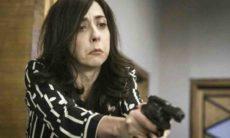 Verônica ameaça Micaela com arma neste sábado (29) em 'Salve-se Quem Puder'