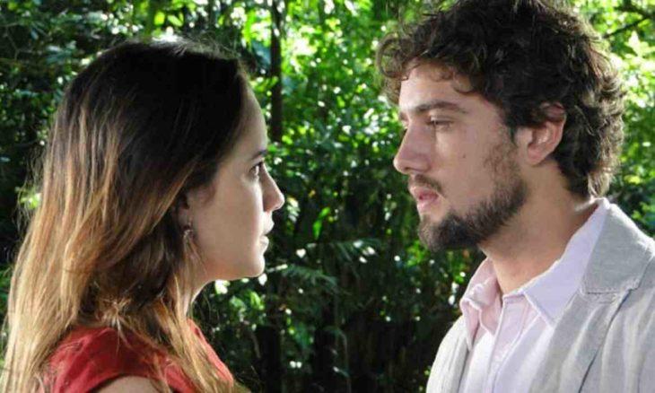 Rodrigo e Ana marcam encontro e se beijam nesta terça (15) em 'A Vida da Gente'
