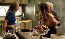 Amanda diz a Danielle que José Pedro a beijou nesta terça (15) em 'Império'