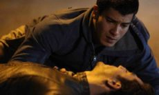 Alan salva Duca mas morre atropelado por Lobão nesta segunda (7) em 'Malhação: Sonhos'