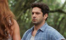 Zezinho flagra Alexia beijando Renzo nesta sexta (25) em 'Salve-se Quem Puder'