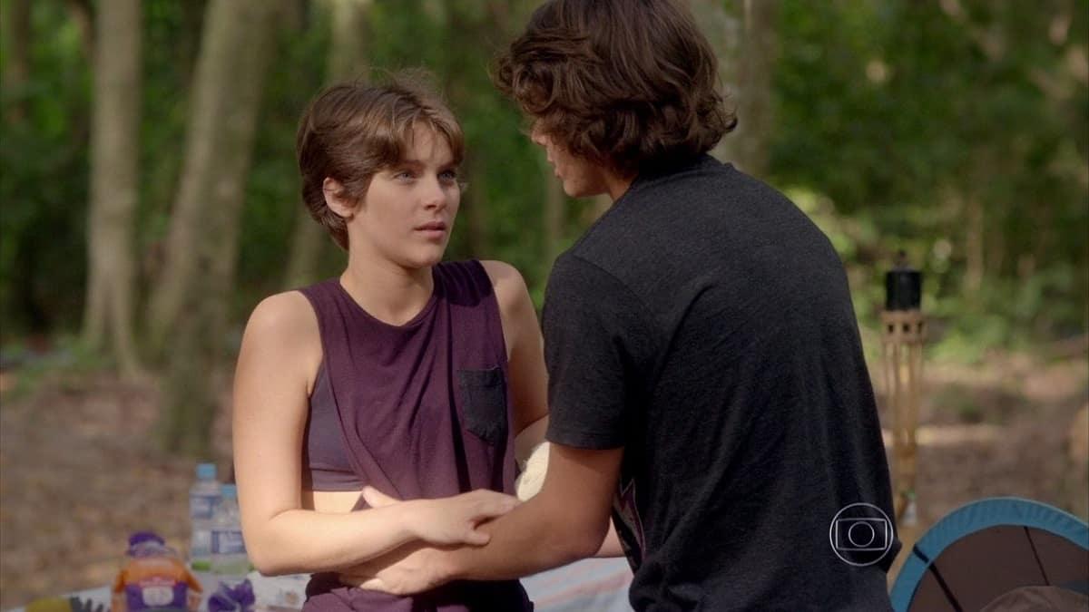 Pedro fica intimidado na frente de Karina nesta terça (6) em 'Malhação: Sonhos'