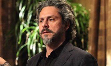 José Alfredo procura Cora nesta quarta (28) em 'Império'