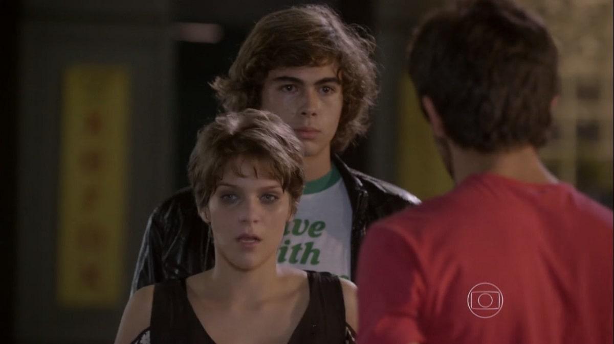 Cobra ajuda Pedro a encontrar Karina nesta segunda (30) em 'Malhação: Sonhos'