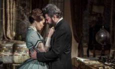 Pedro e Luísa se beijam nesta quarta (18) em 'Nos Tempos do Imperador'