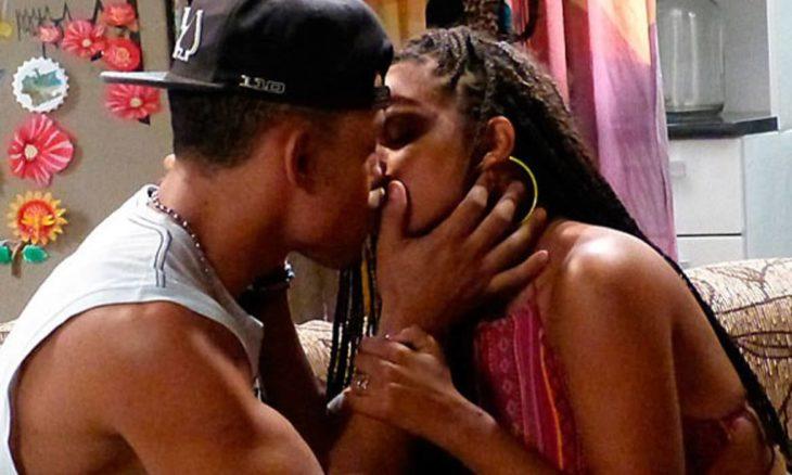 Sol e Wallace se beijam, mas ele diz gostar de Bárbara nesta terça (3) em 'Malhação: Sonhos'