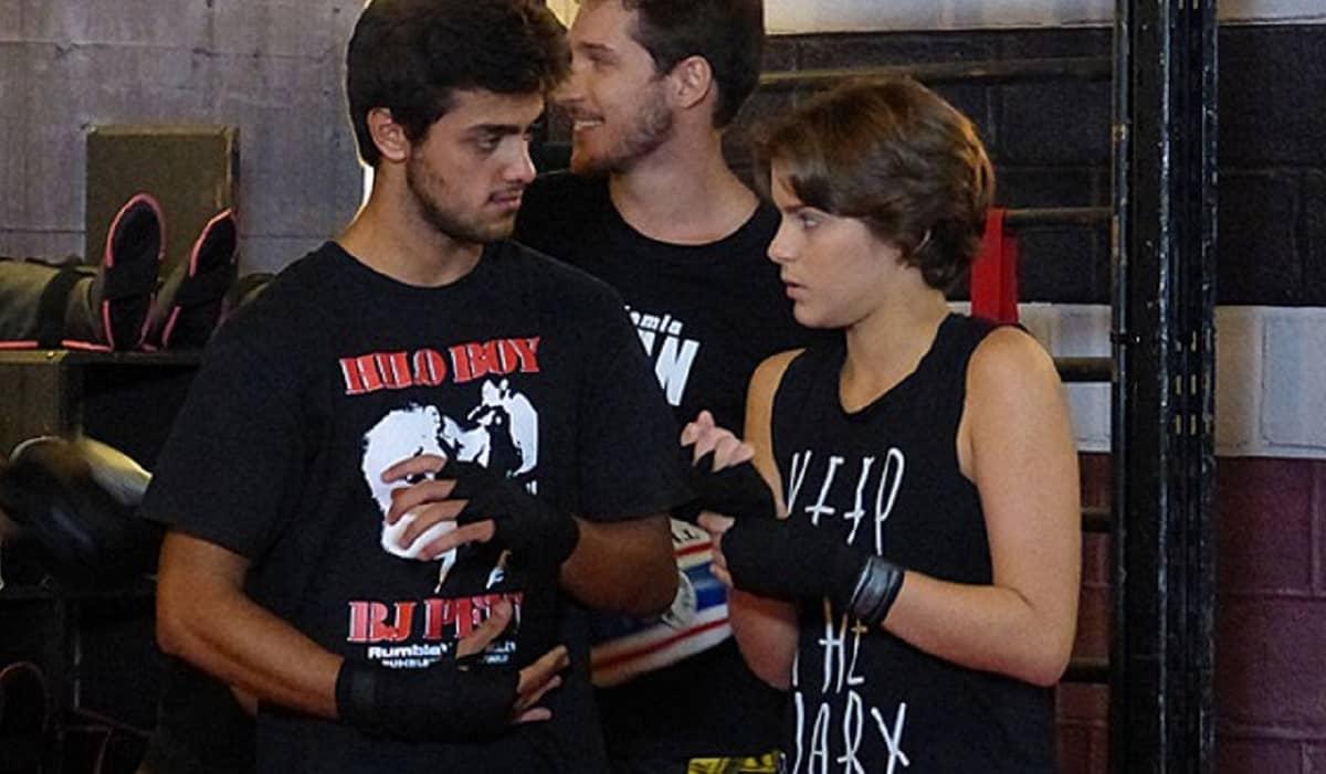 Karina se prepara para lutar na Khan nesta quinta (2) em 'Malhação: Sonhos'