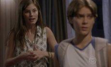 Bianca incentiva Karina a mentir para Gael nesta terça (24) em 'Malhação: Sonhos'