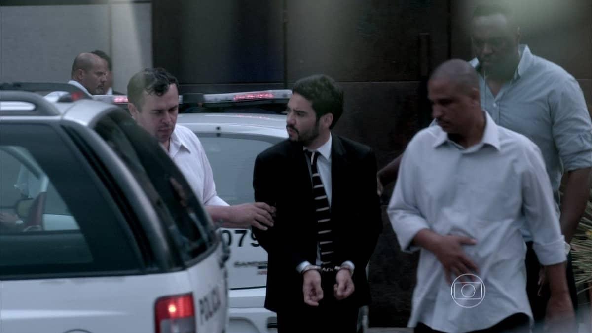 José Pedro é preso nesta segunda (6) em 'Império'