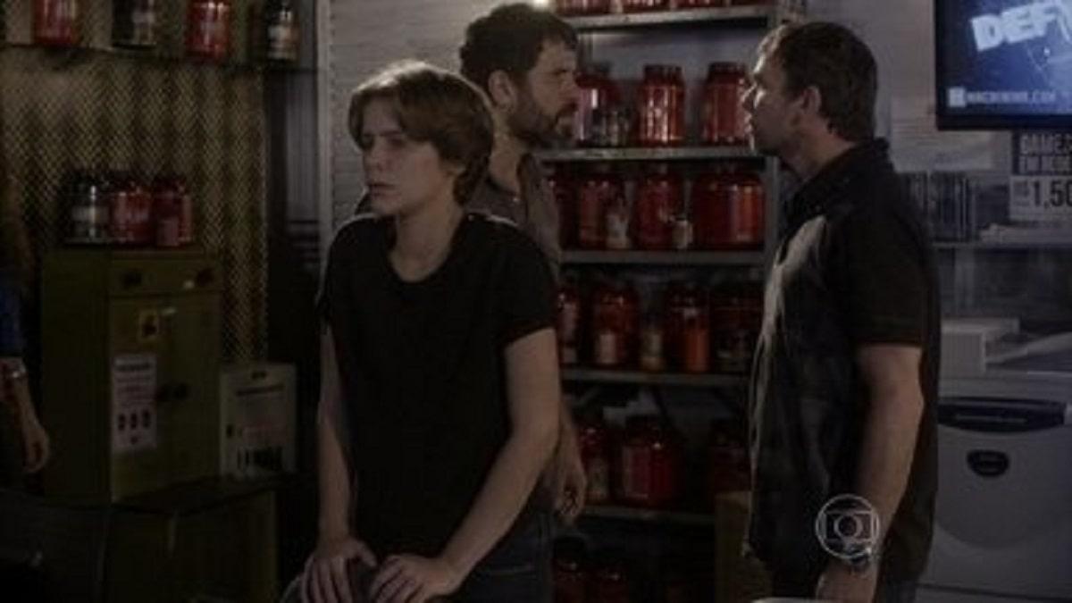 Lobão e Gael se enfrentam e Karina passa mal nesta segunda (6) em 'Malhação: Sonhos'