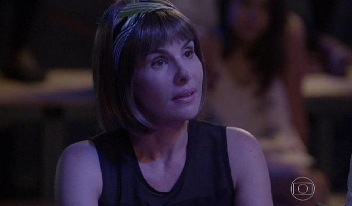 Lucrécia se emociona ao ver Jade no palco nesta sexta (3) em 'Malhação: Sonhos'