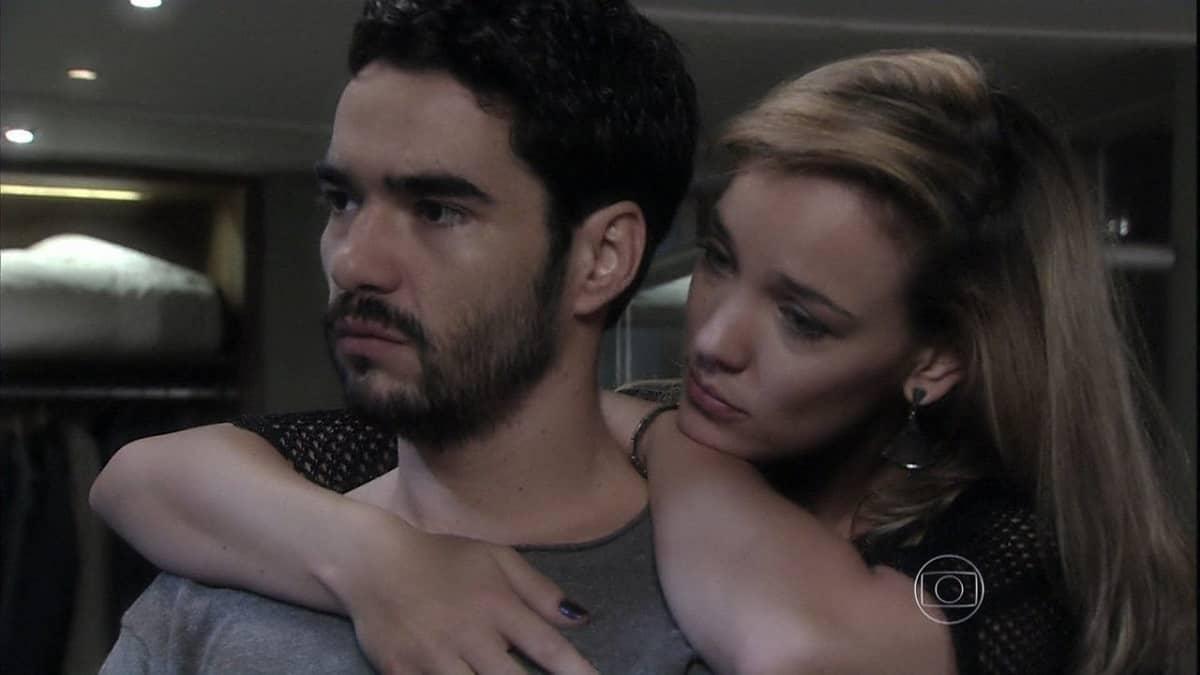 Amanda visita José Pedro no hotel nesta sexta (8) em 'Império'