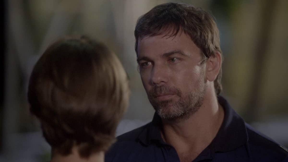 Lobão fica feliz com o sofrimento de Karina nesta sexta (22) em 'Malhação: Sonhos'