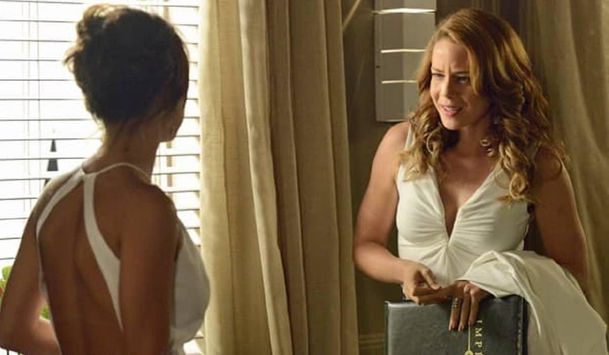Maria Clara chama Cristina para ser sua madrinha de casamento neste sábado (23) em 'Império'