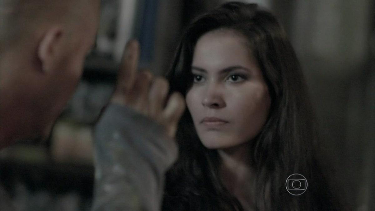 Carmem provoca um surto em Salvador nesta segunda (18) em 'Império'